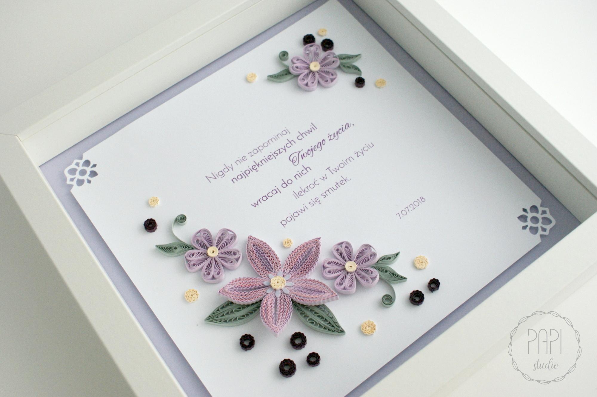 fioletowe kwiaty w ramce 3d