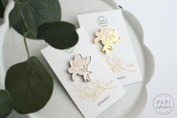 polska biżuteria pins kwiat pomysł na prezent