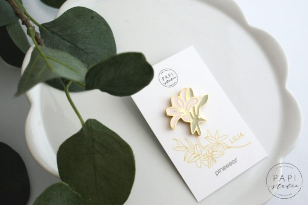 pins kwiat ręcznie robiona biżuteria z polski